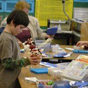 برنامج SHINE - نموذج بناء الطلاب